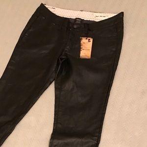 NWT Chor faux leather pants size 7 (fits like 5)